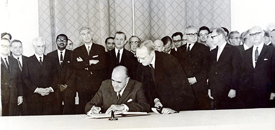 Minister Frank Aiken signing the Non-Proliferation Treaty (NPT) in Moscow, July 1968. Source: UCD.